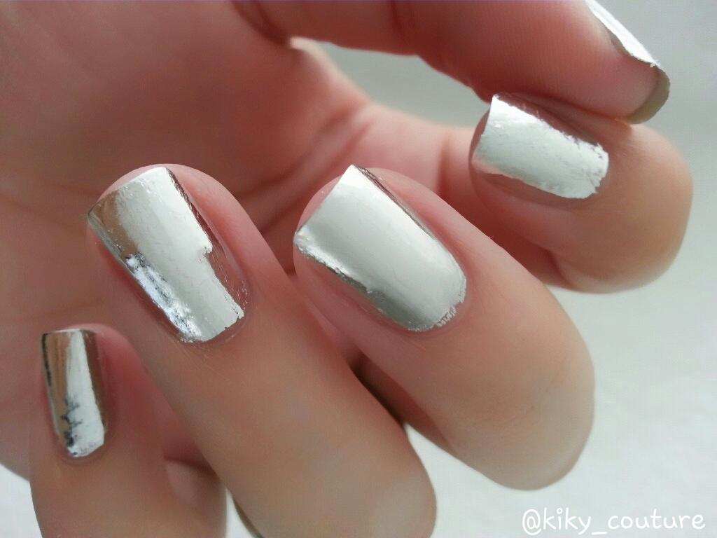 Diseño de uñas acabado espejo usando foil. | EL RINCÓN DE LOS ESMALTES.